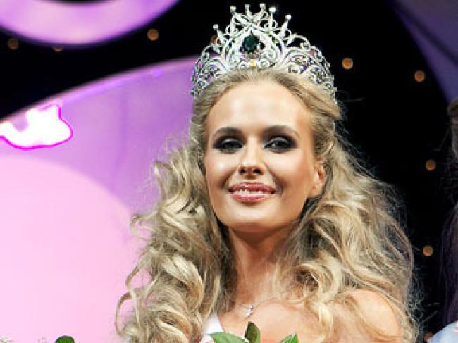 На участницу конкурса «Мисс Земля» обрушились с критикой провластные СМИ