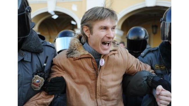 В Санкт-Петербурге начались превентивные аресты националистов