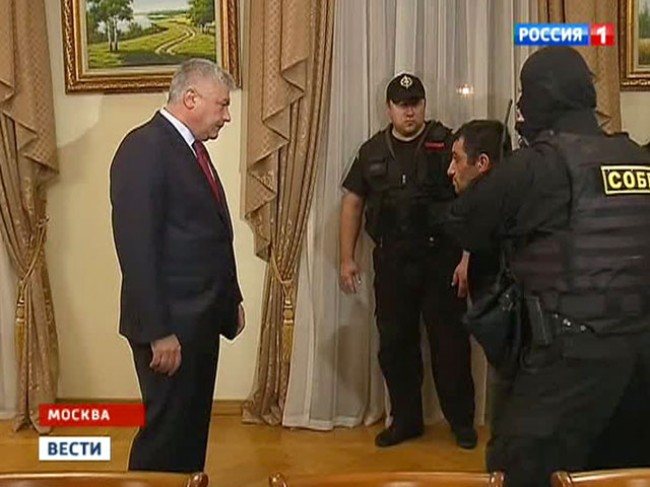 Дешевые ментовские понты с задержанием Орхана Зейналова