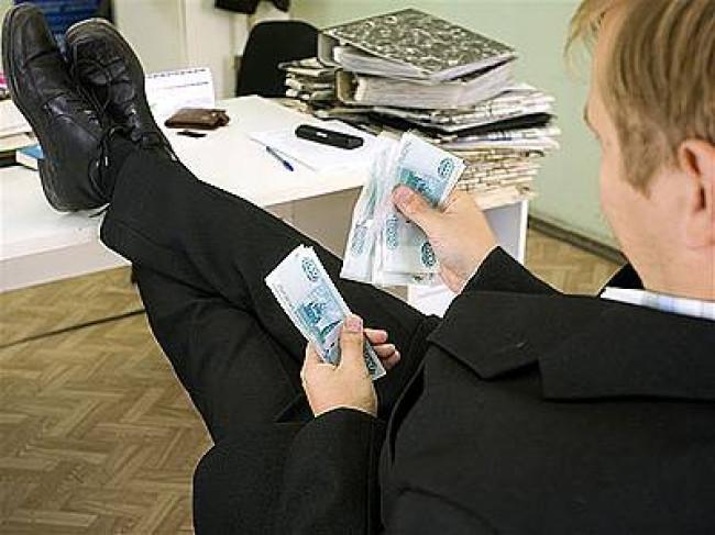 Минимальный размер оплаты труда повышать не будут