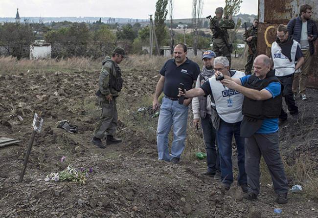 Украинские каратели насиловали несовершеннолетних девочек в захваченных селах