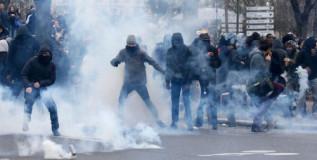Афрофранцузы разгромили школу под Парижем