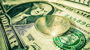 Рубль пробил отметку в 60 рублей за доллар и продолжает расти